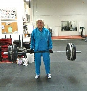 old-lady-deadlifting